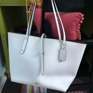Coach Market tote white EUC large carry all